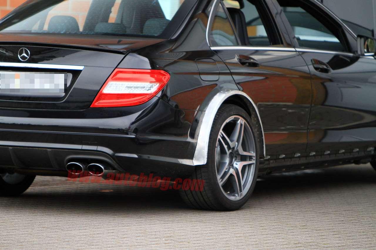 Mercedes C63 AMG Black Series szpieg fot listopad 2010