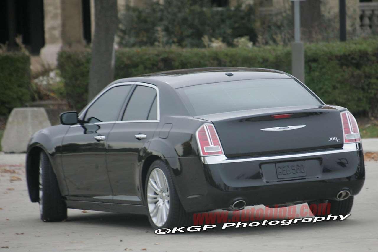2012 Chrysler 300C bez kamuflazu pazdziernik 2010