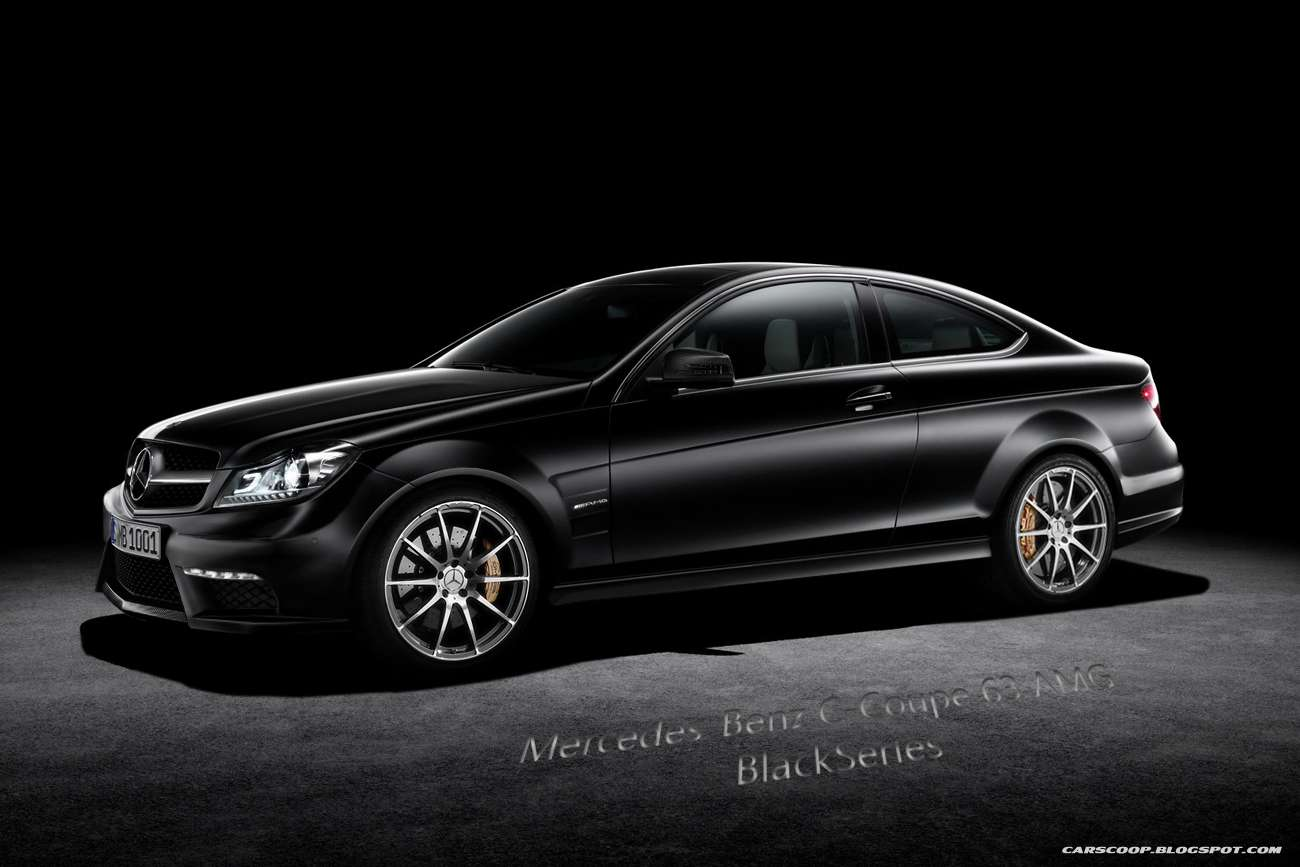 2012 Mercedes-Benz C 63 AMG Black Series Coupe rend luty 2011