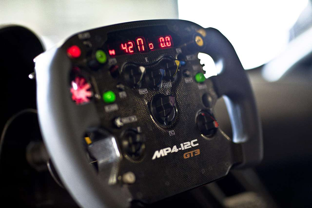 McLarena MP4-12C GT3 Silverstone marzec 2011