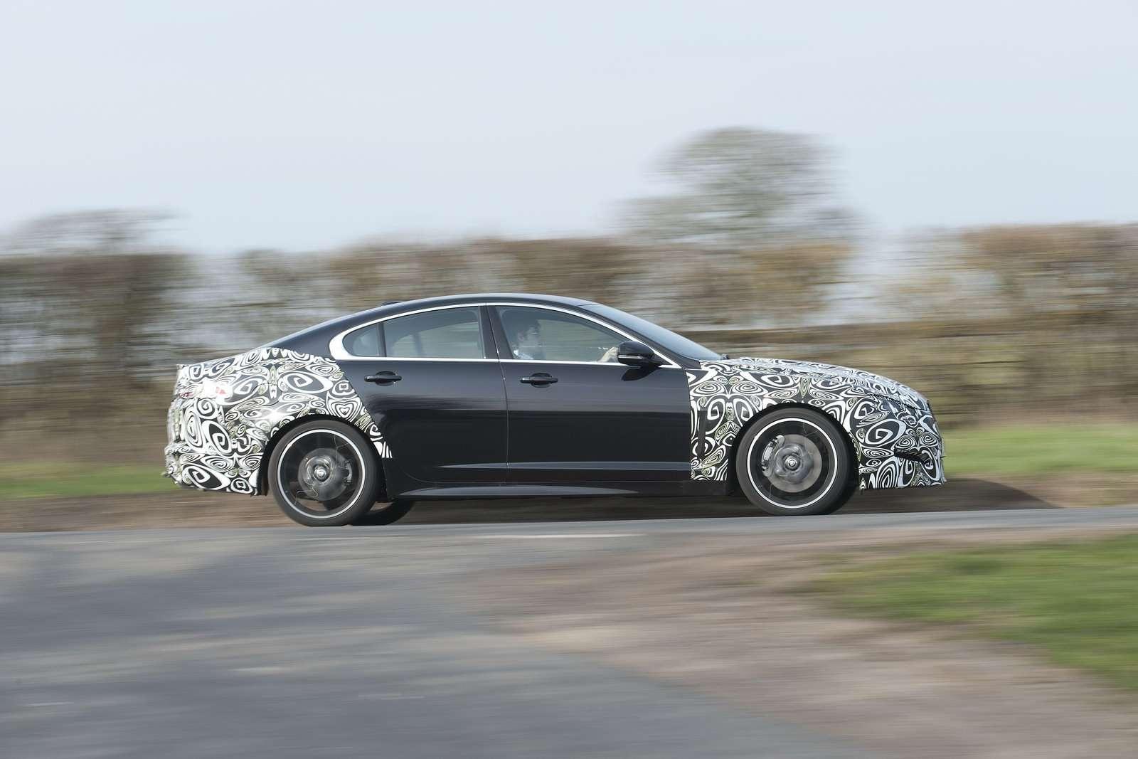 Jaguar XF zdjecia szpieg marzec 2011