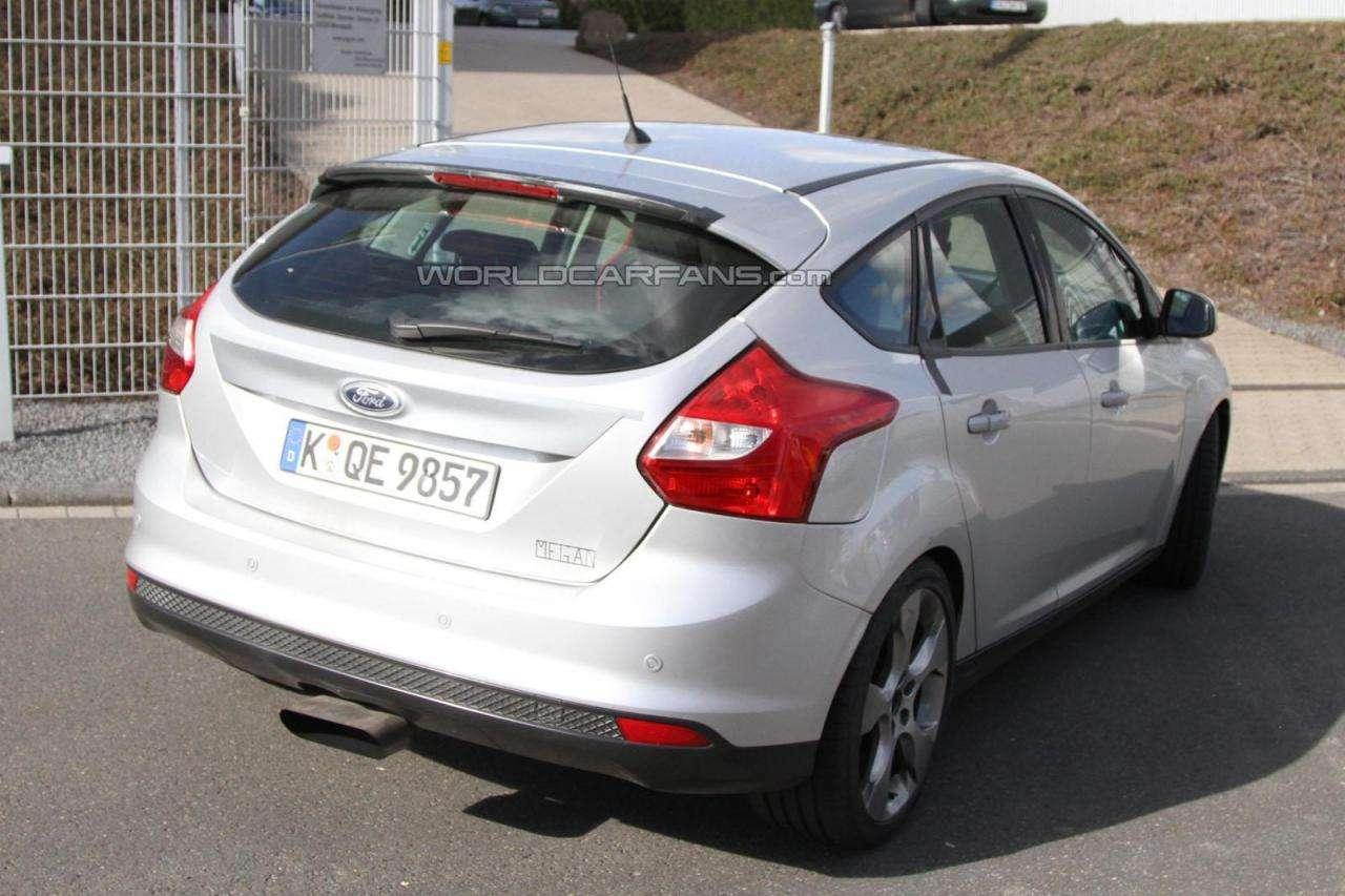 Nowy Ford Focus RS przylapany Nurburgring kwiecien 2011