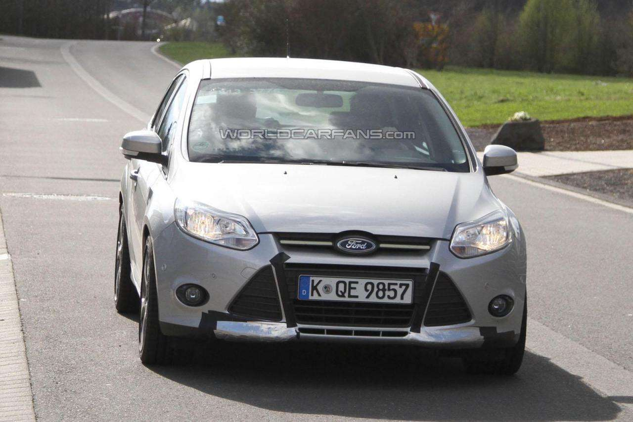 Nowy Ford Focus RS przylapany Nurburgring kwiecien 2011