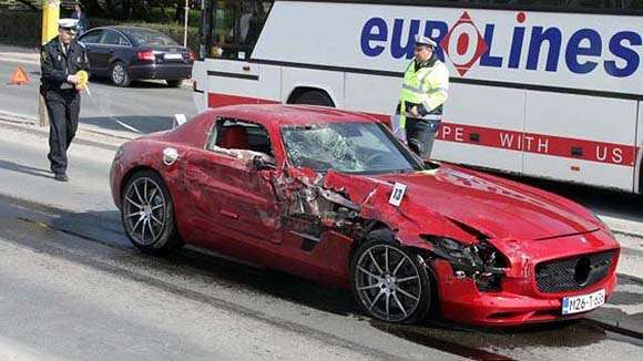 mercedes amg crash_glo