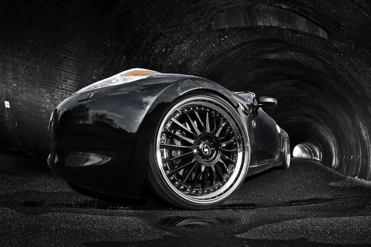 Nissan 370Z Schmidt Revolution fot kwiecien 2011
