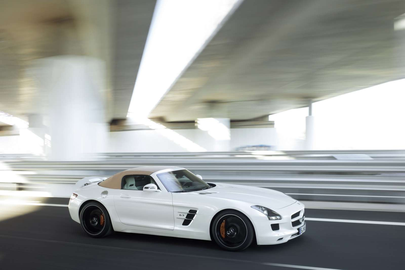 2012 Mercedes-Benz SLS AMG Roadster fot maj 2011