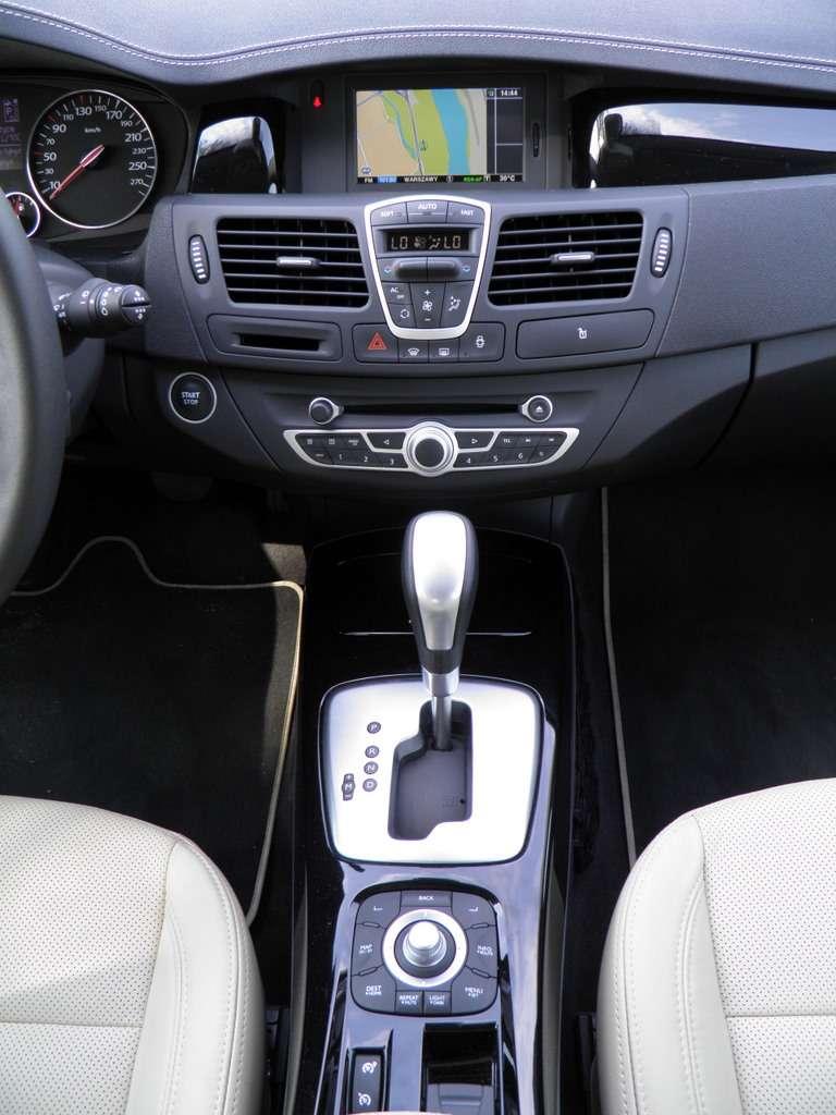 Renault Laguna sedan test maj 2011