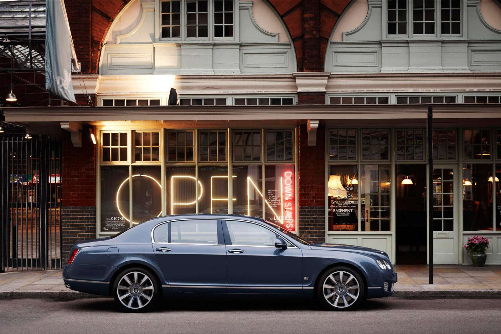 Bentley Continental Flying Spur Series 51 listopad 2010