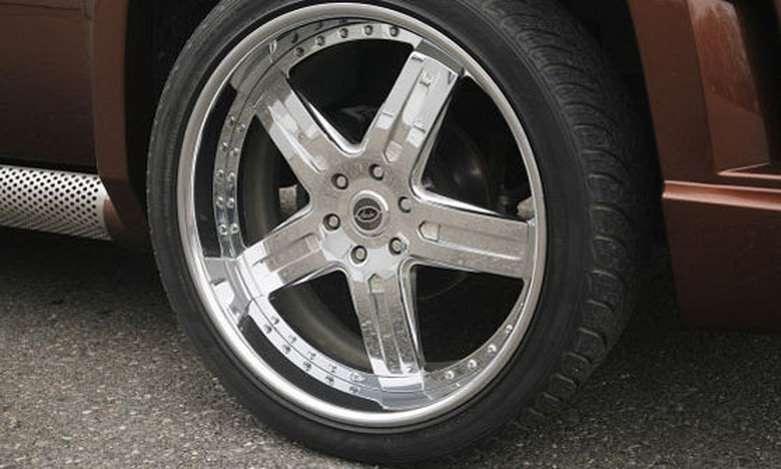 Cadillac Escalade FAB Design fot maj 2011