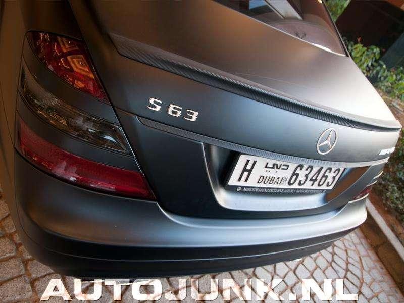 Mercedes-Benz S 63 AMG z diamentowym logiem dubaj maj 2011