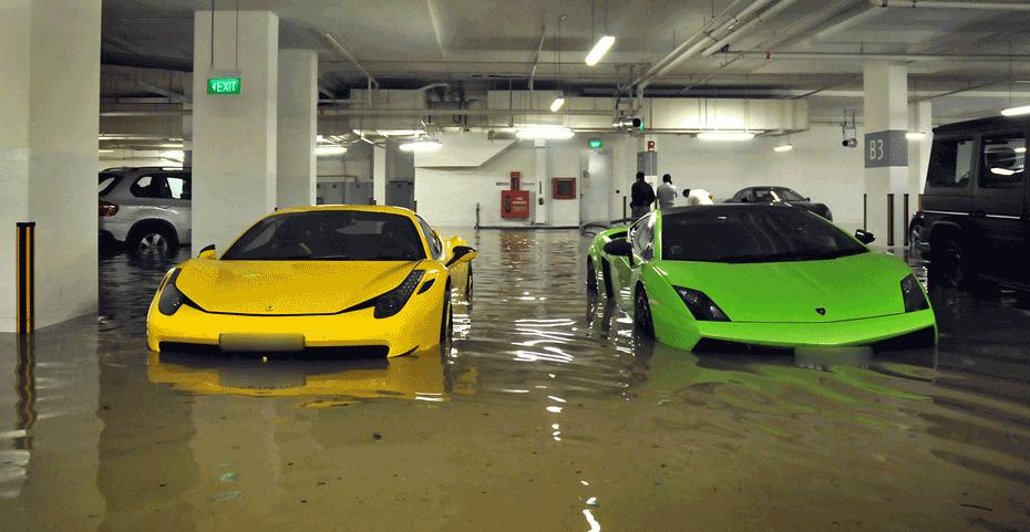 Zalany garaż w Singapurze Czerwiec 2011