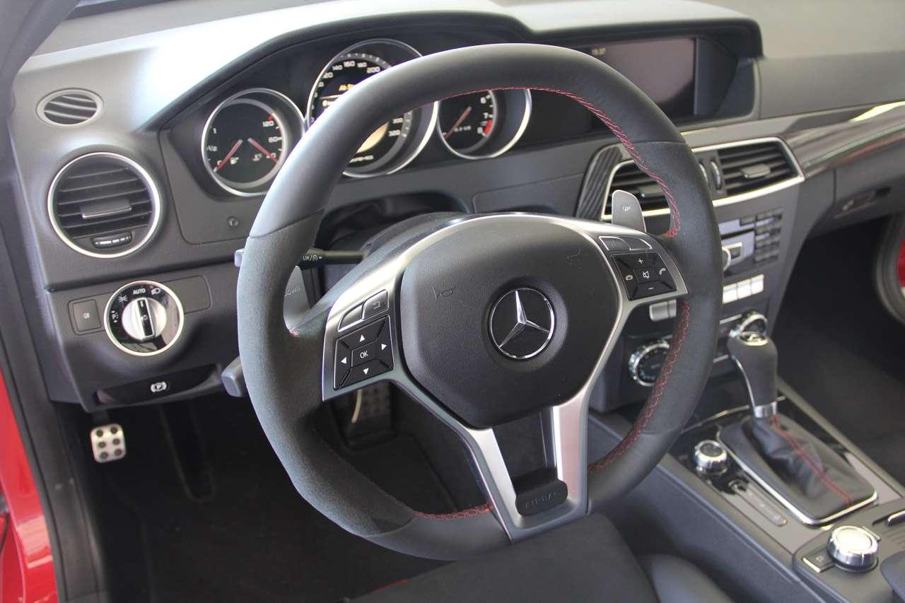 MercedesC63 AMG Coupe Black Series oficjalnie lipiec 2011
