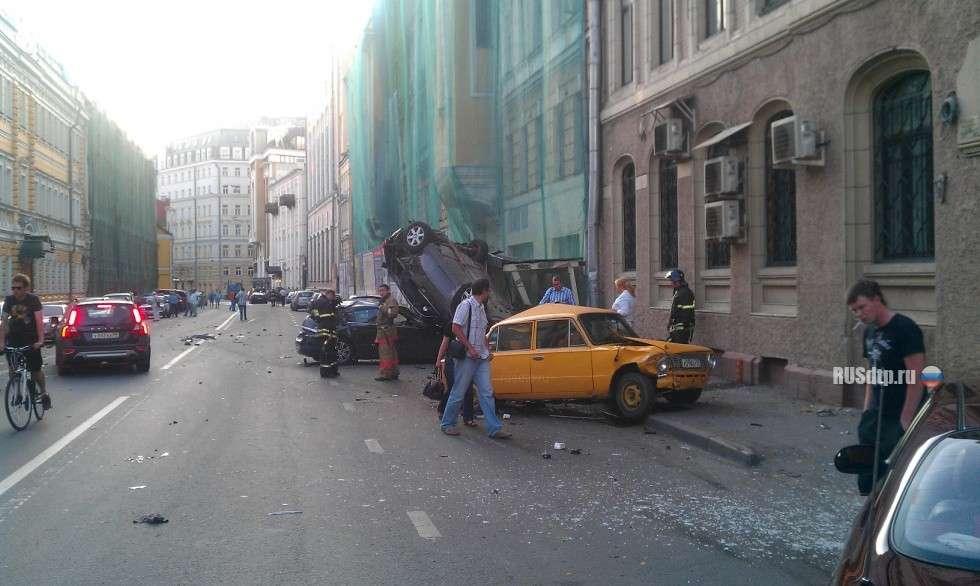 Nissan GTR crash in moscow lipiec 2011