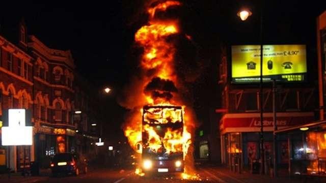 Zamieszki w Londynie sierpien 2011