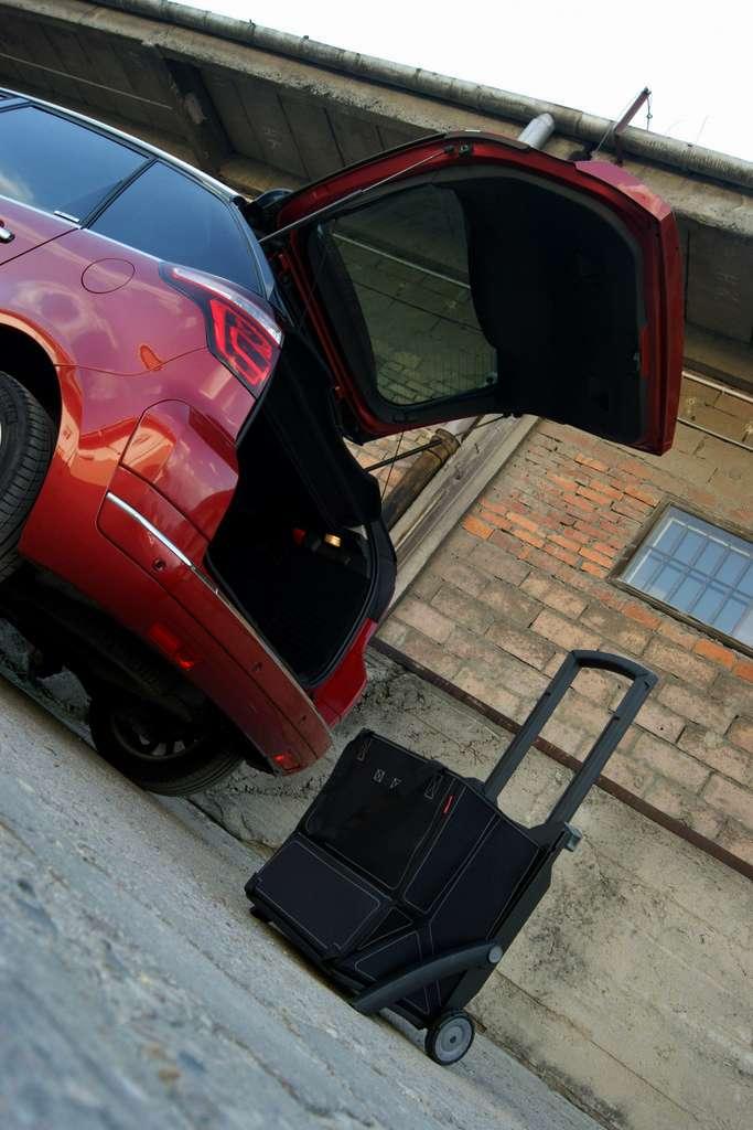 Citroen C4 Picasso test fot pazdziernik 2011