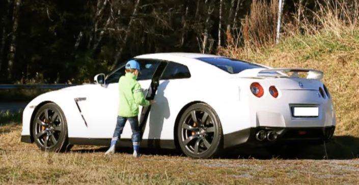 Nissan GT-R dziecko