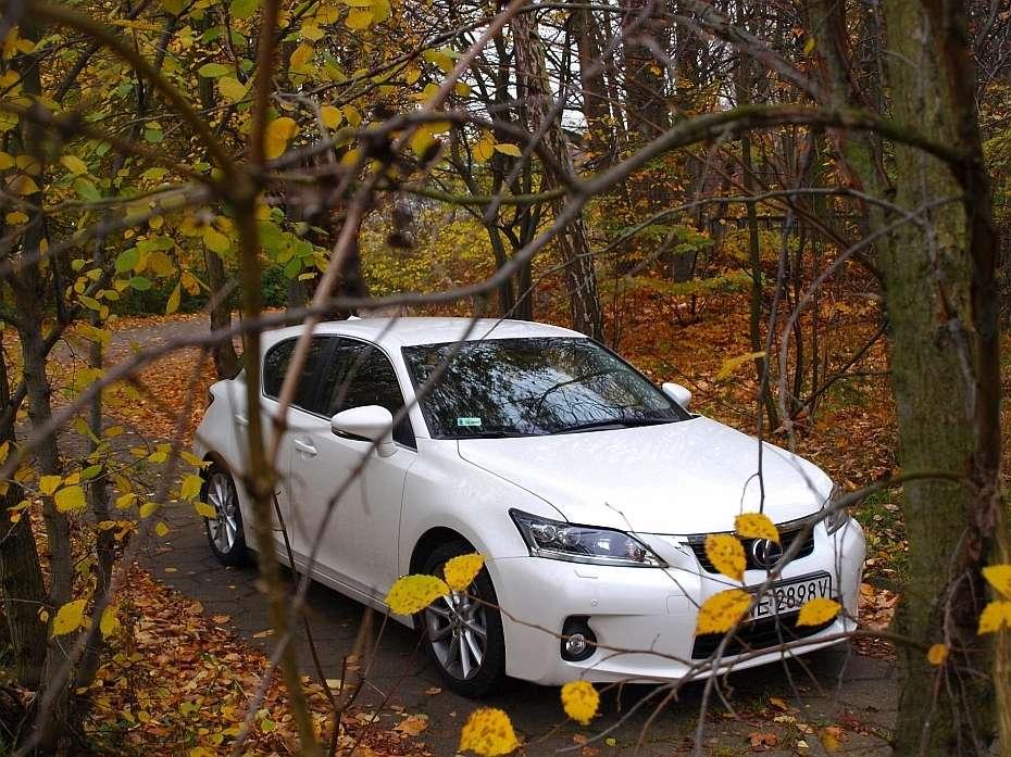 Lexus CT200h test listopad 2011