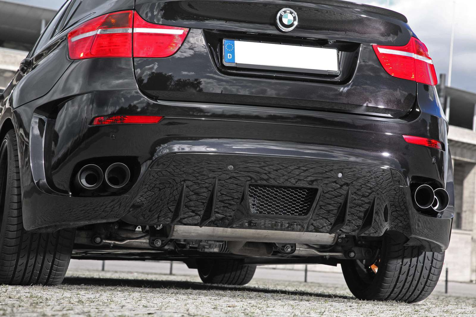 BMW X6 Bruiser od CLP Automotive fot listopad 2011