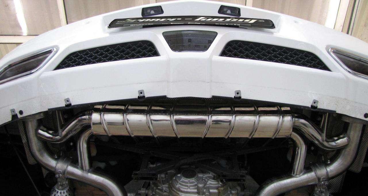 Mercedes SLS AMG od Senner Tuning fot grudzien 2011