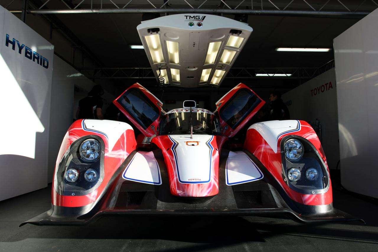 Oficjalna prezentacja TS030 HYBRID Toyota styczen 2012
