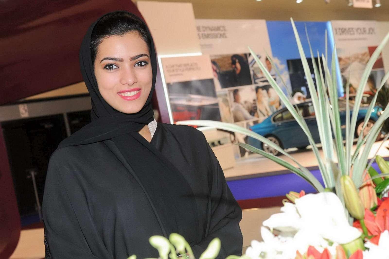 Dziewczyny Katar motor show fot styczen 2012