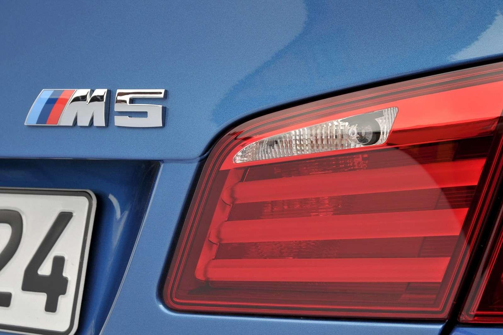 BMW M5 manual detroit 6biegow fot styczen 2012