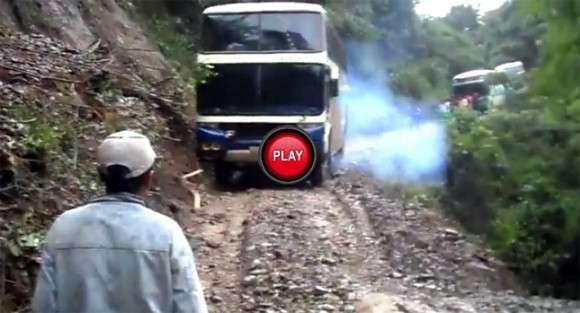 bus bolivia death road 1 glo