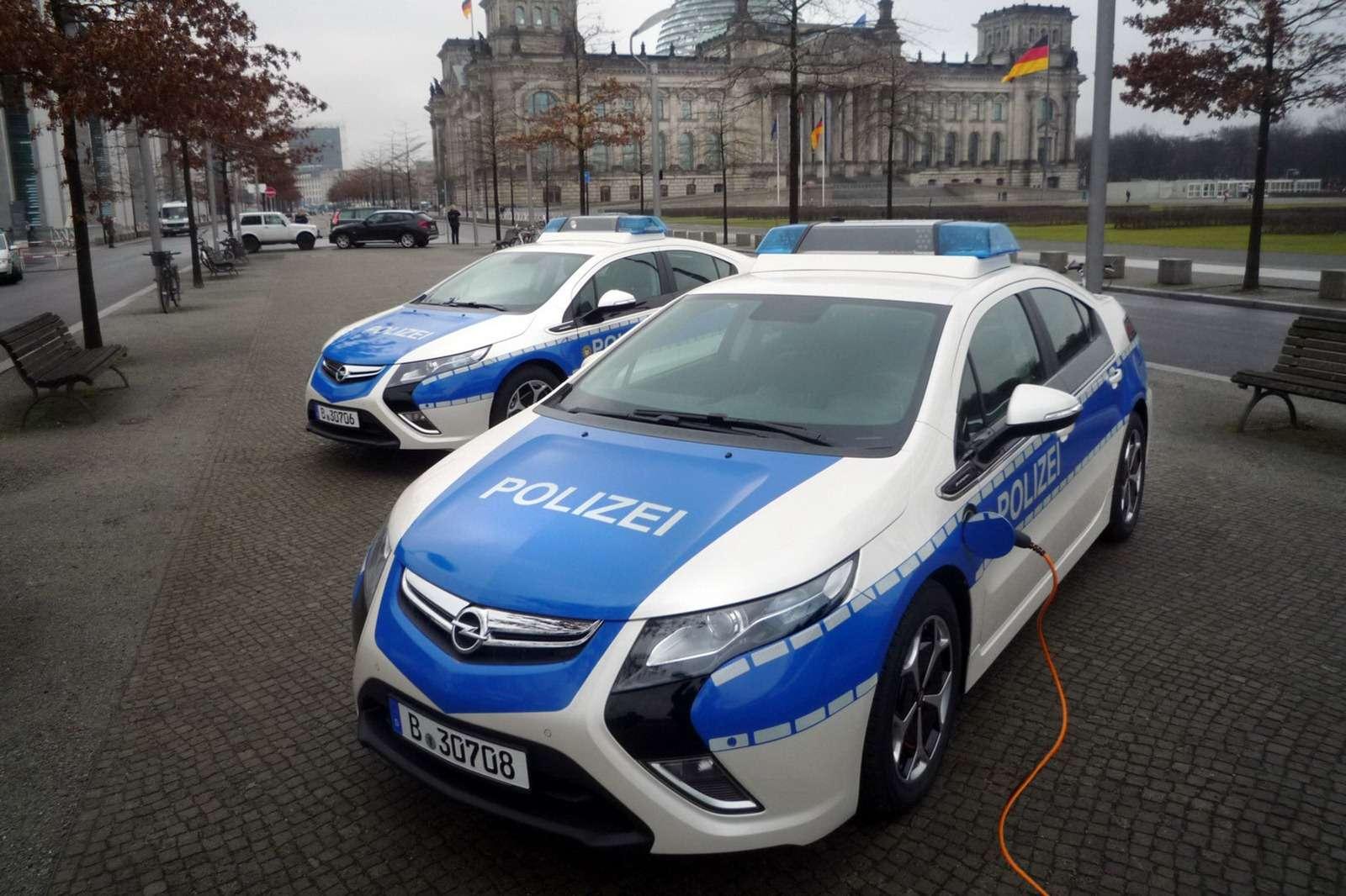 Toyota Prius dla niemieckiej policji fot styczen 2012
