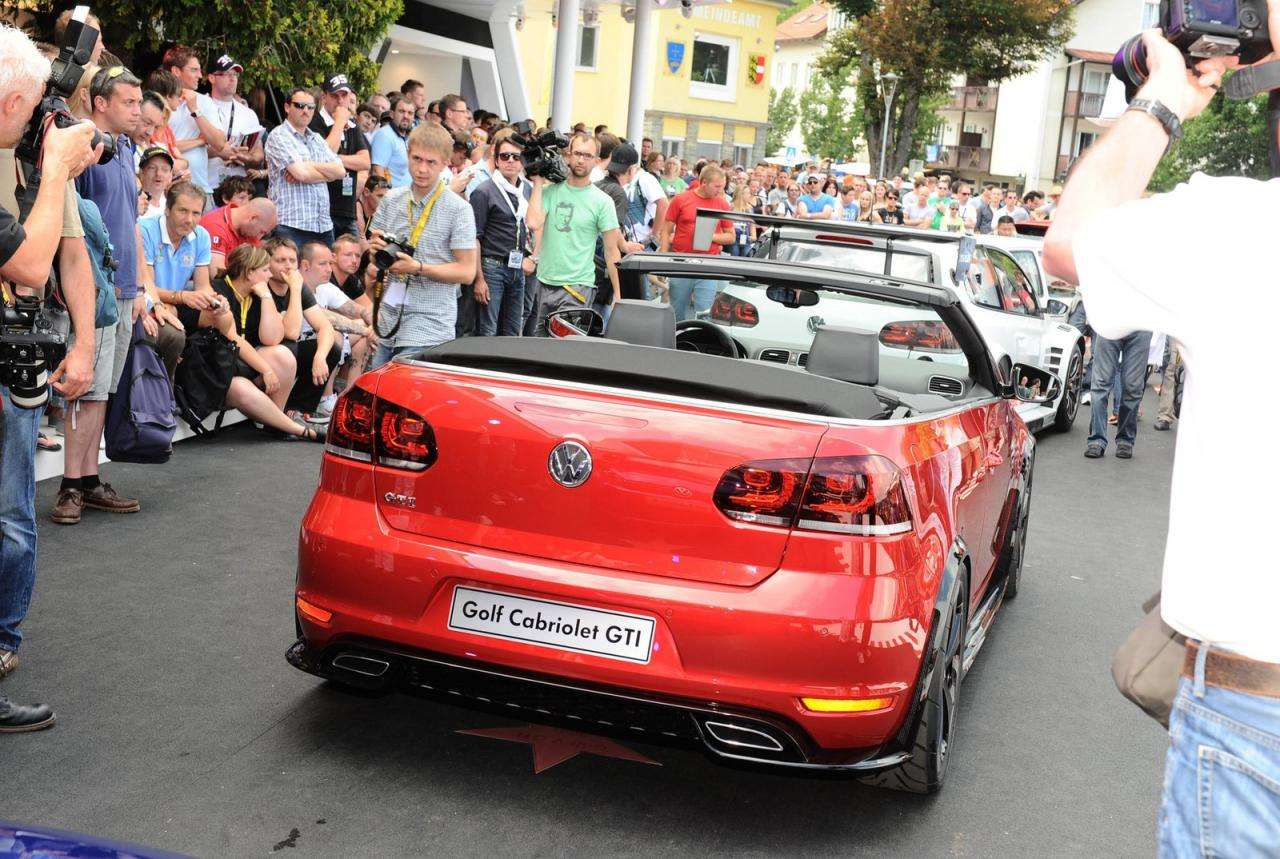 Volkswagen Golf GTI Cabriolet concept fot luty 2012