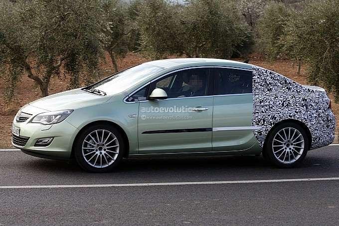 2012 Opel Astra Sedan szpieg luty 2012