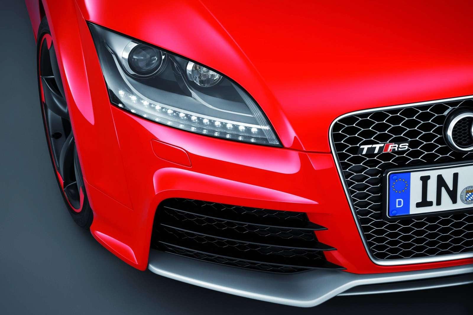 Nowe Audi TT RS Plus Coupe i Roadster oficjalnie luty 2012