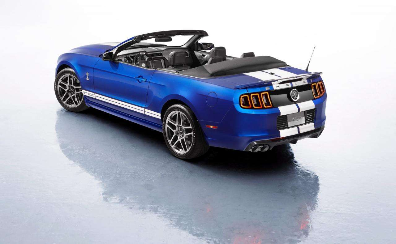 2013 Ford Shelby GT500 Cabrio fot luty 2012