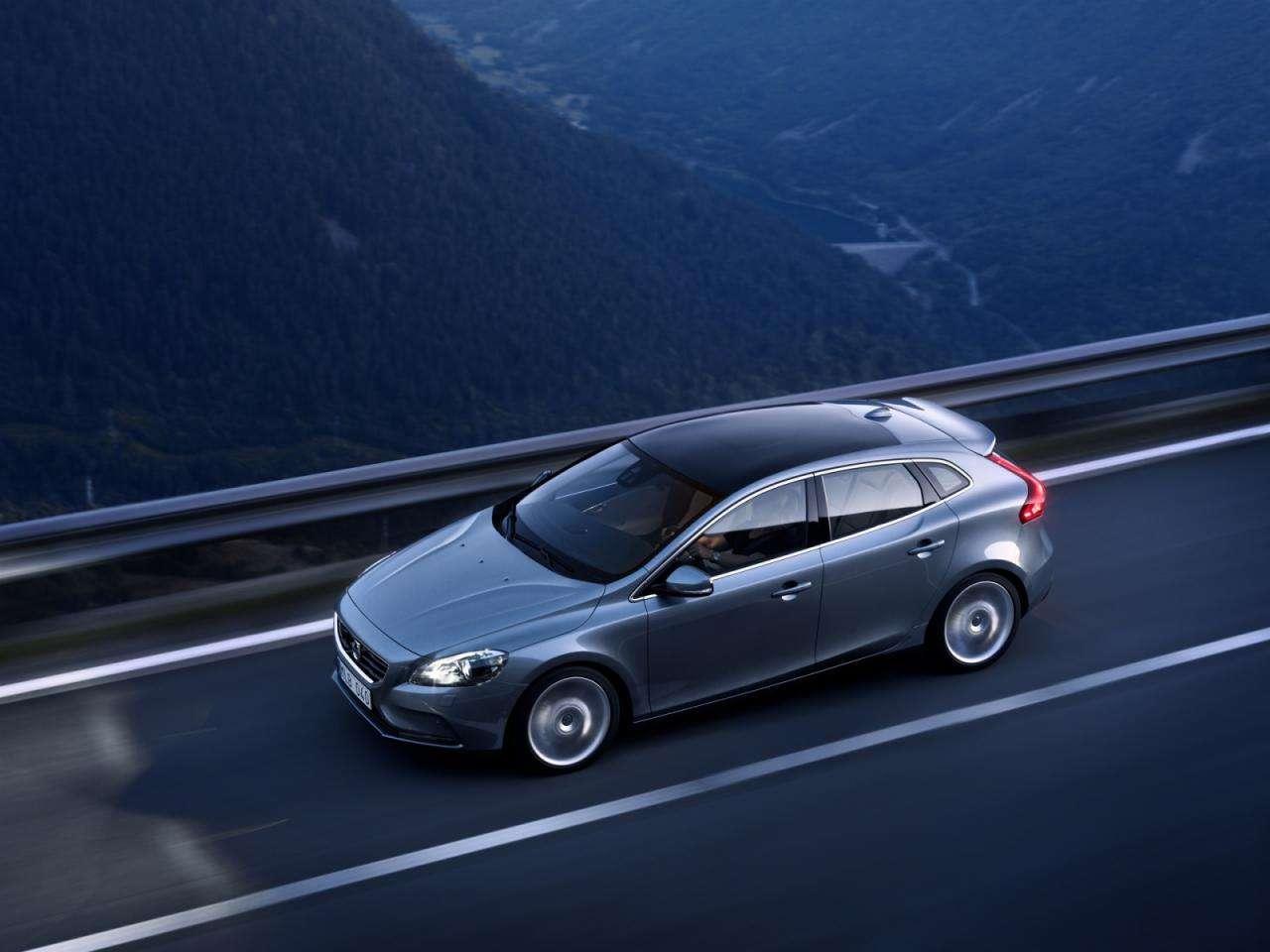 Volvo V40 2013 wyciek