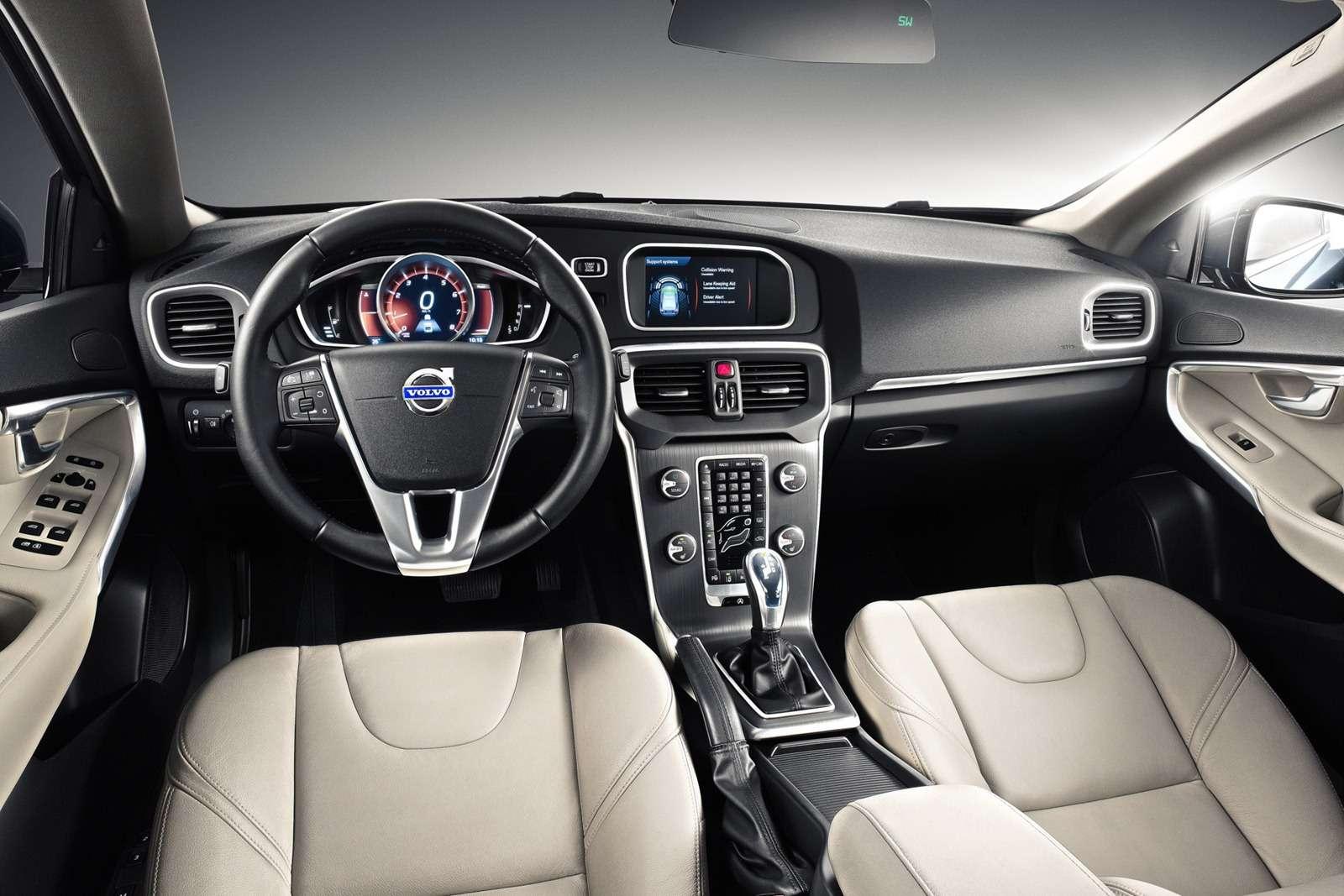 Volvo V40 2013 wnętrze