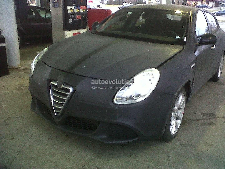 Alfa Romeo Giulietta przylapana w Ameryce fot luty 2012