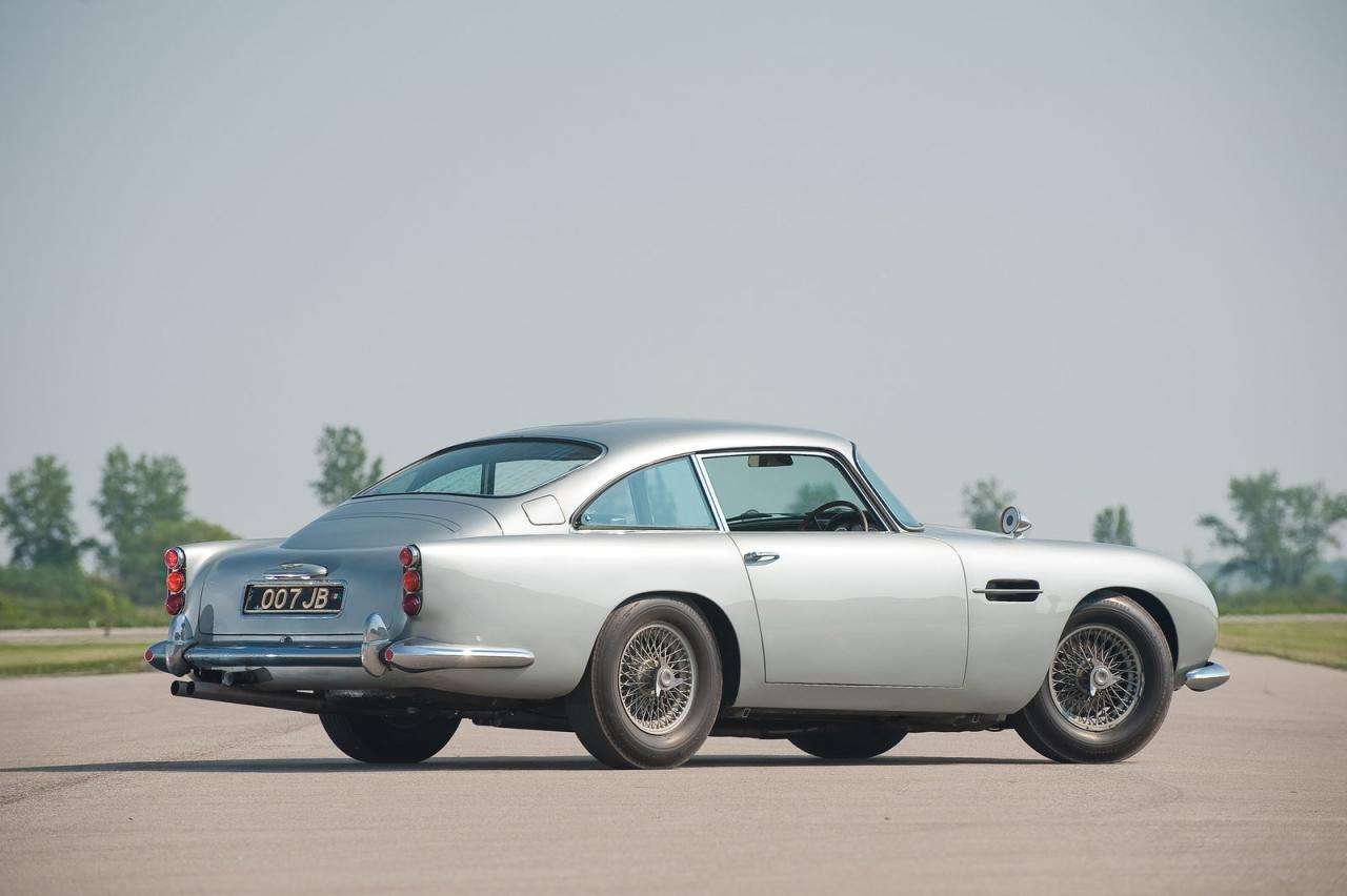 1964 Aston Martin DB5 James Bond luty 2012