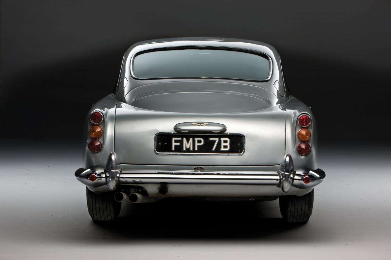 1964 Aston Martin DB5 James Bond luty 2012