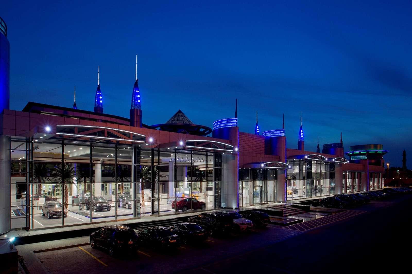 Salon BMW w Abu Dhabi luty 2012
