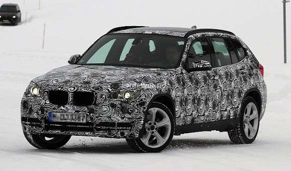 BMW X1 facelifting spyshots
