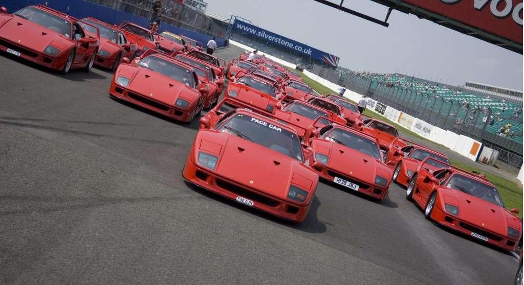 Nadchodzi 25-lecie Ferrari F40 luty 2012