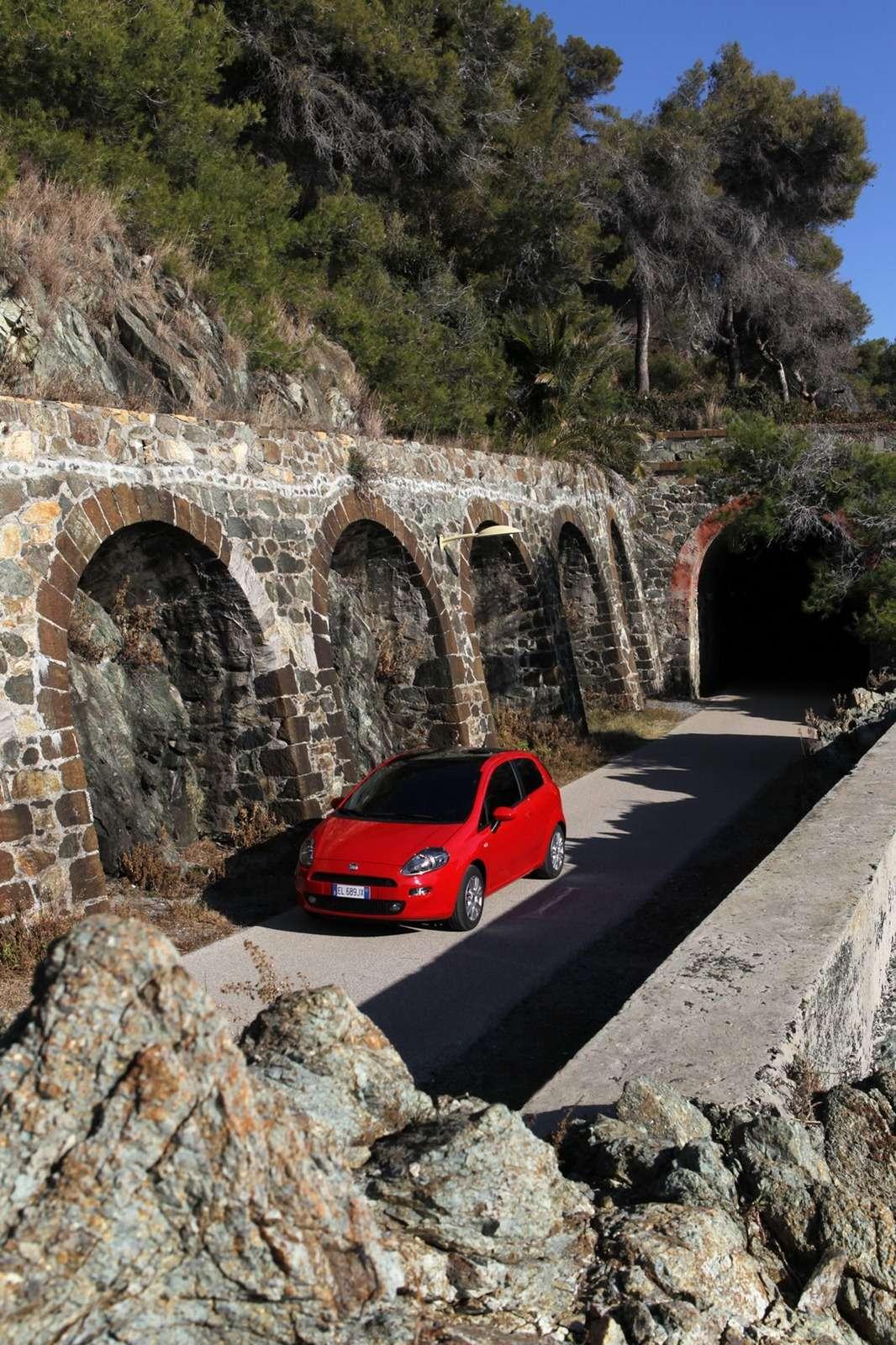 Fiat Punto 2012 fot oficjalnie luty 2012