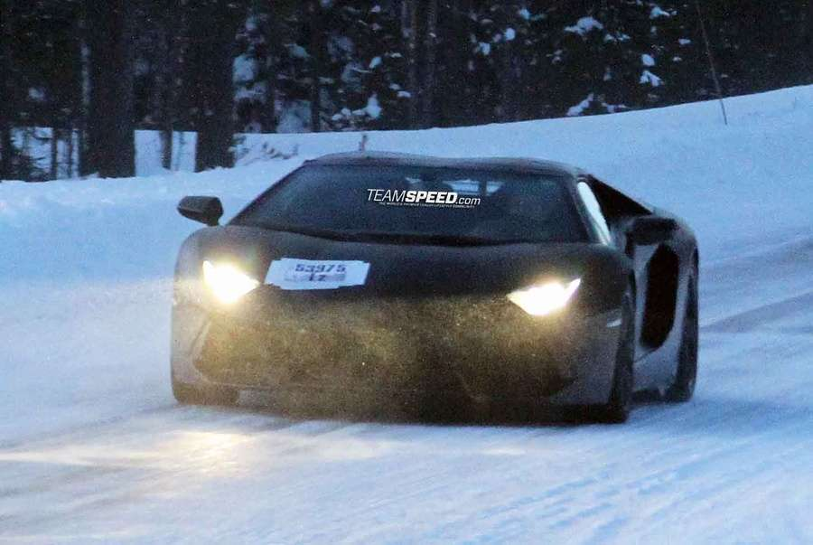 lamborghini-aventador-lp700-4-roadster-2012-szpiegowskie_01.jpg