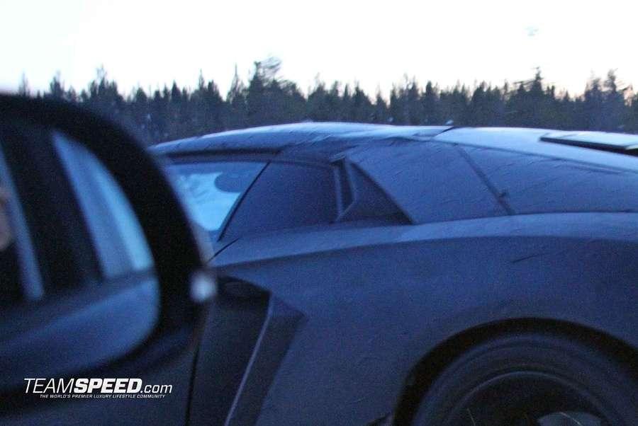 lamborghini-aventador-lp700-4-roadster-2012-szpiegowskie_02.jpg