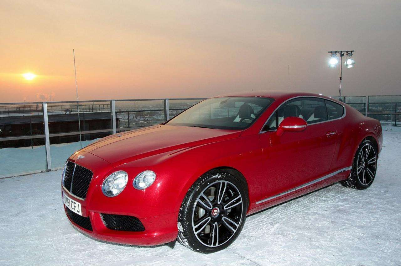 Bentley Continental GT latajacy luty 2012