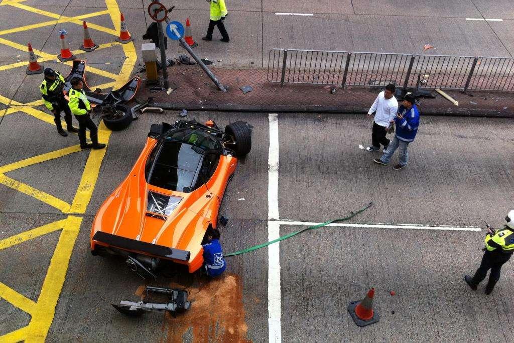 Pagani zonda f wypadek hong kong luty 2012
