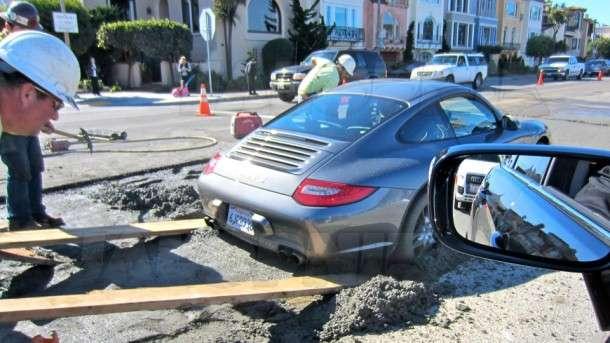 Porsche 911 w betonie