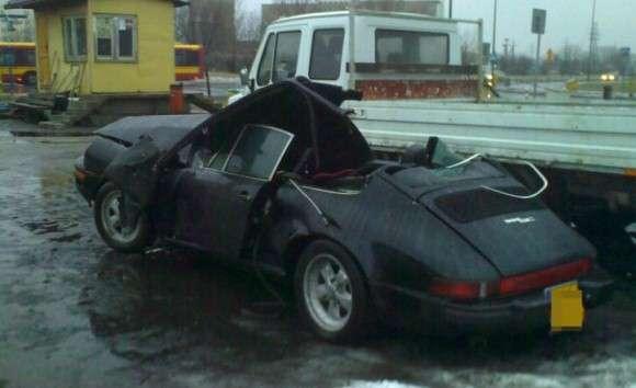 Zabytkowe Porsche 911 rozbite