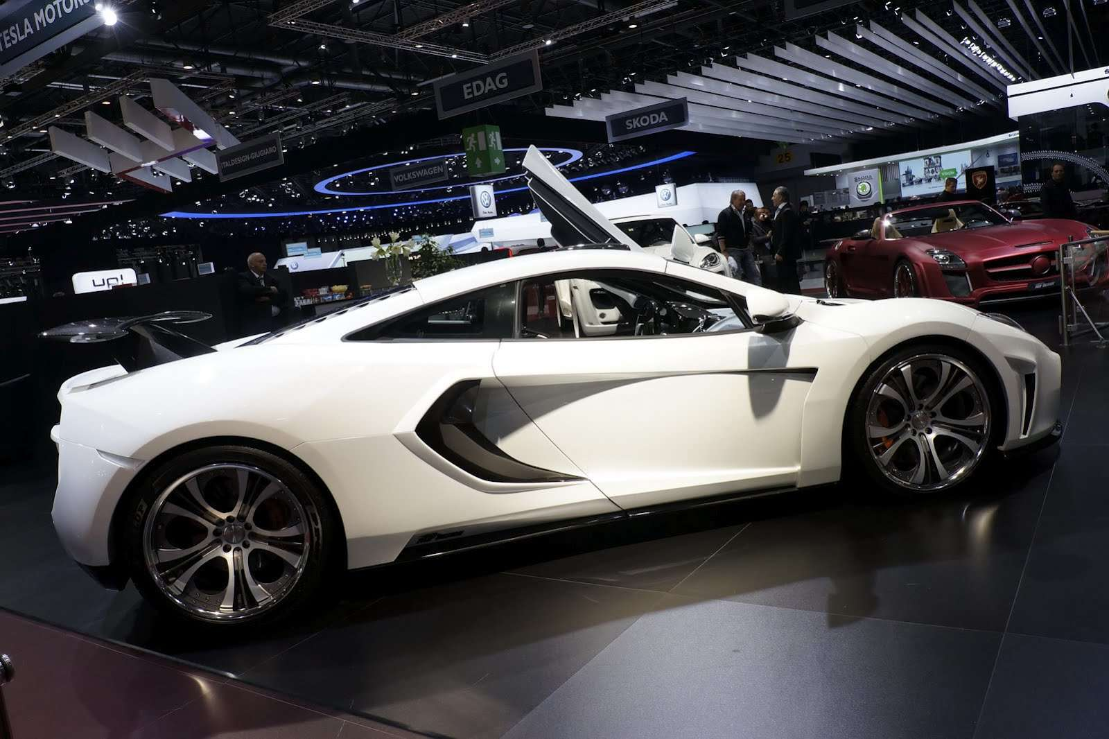 FAB Design McLaren MP4-12C Genewa 2012