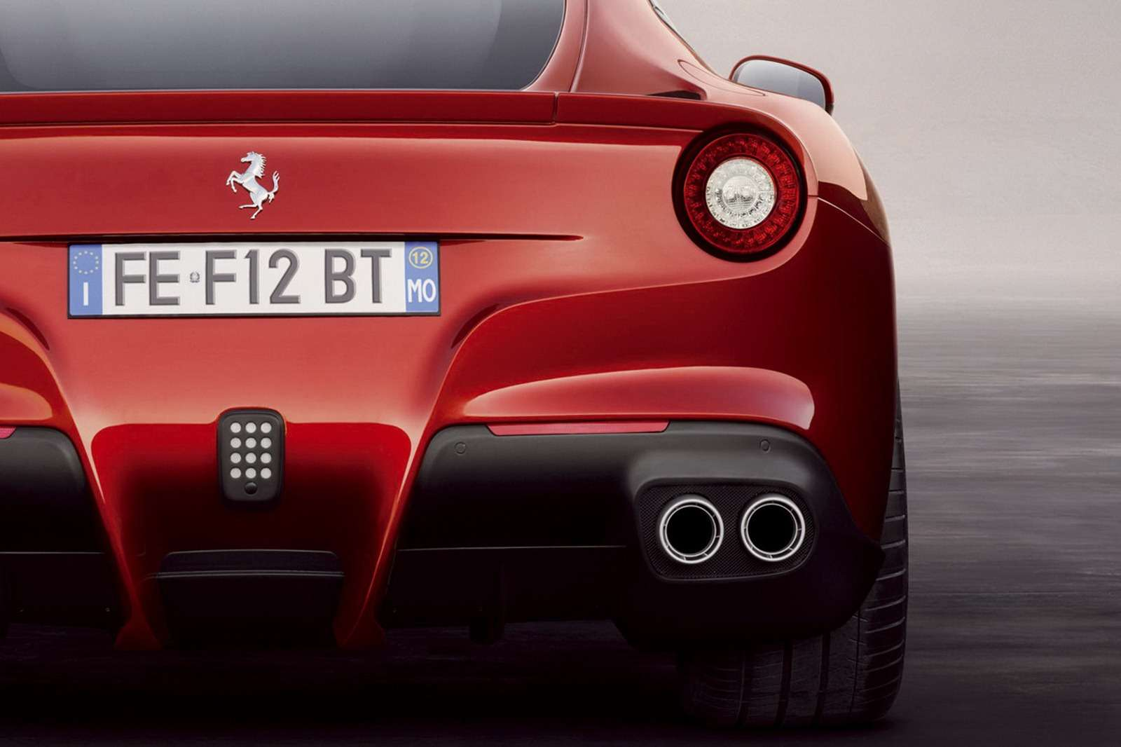Ferrari F12berlinetta Genewa 2012