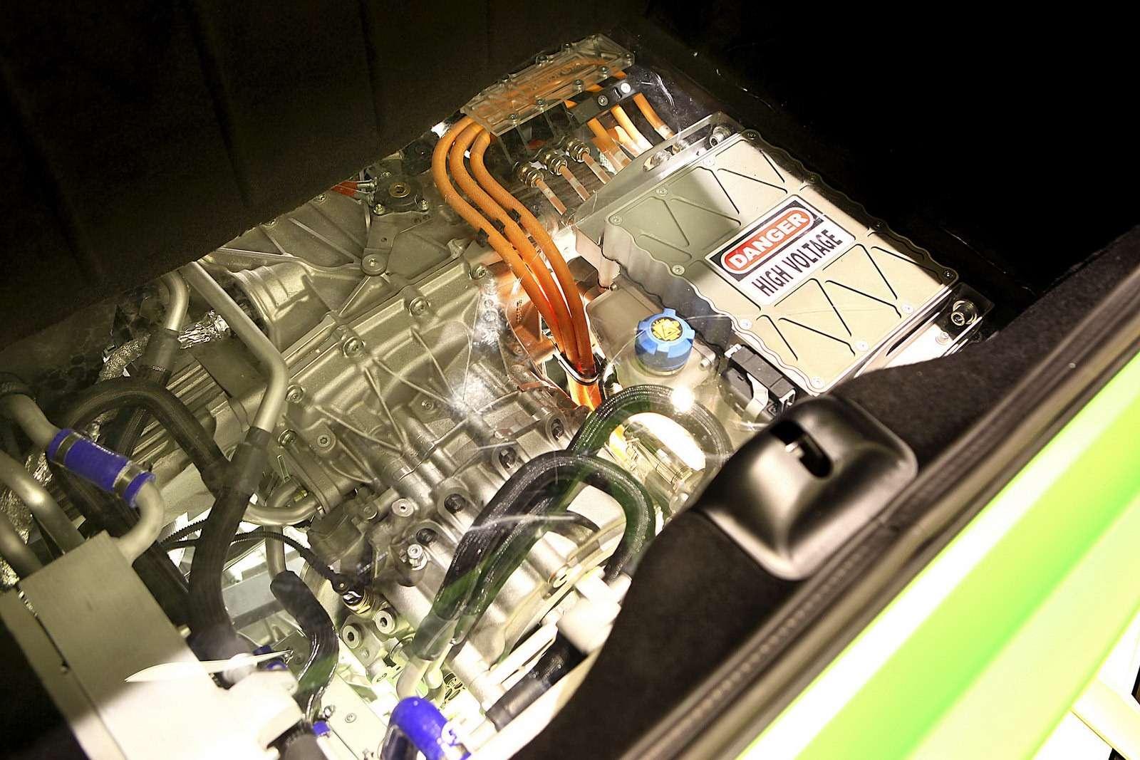 Ferrari V6 i hybrydowe V12
